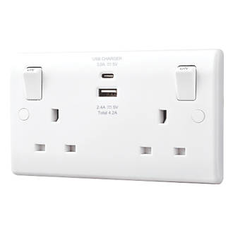 Great Value Product LAP LAP 2-GANG SP 13A SWITCHED SOCKET /& 2.1A 2-OUTLET USB CH