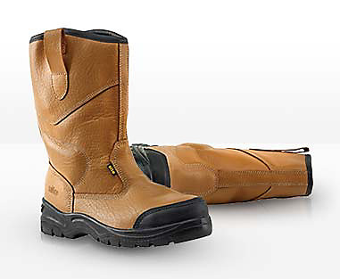 on feet images of first rate catch Safety Footwear | Safety & Workwear | Screwfix.com