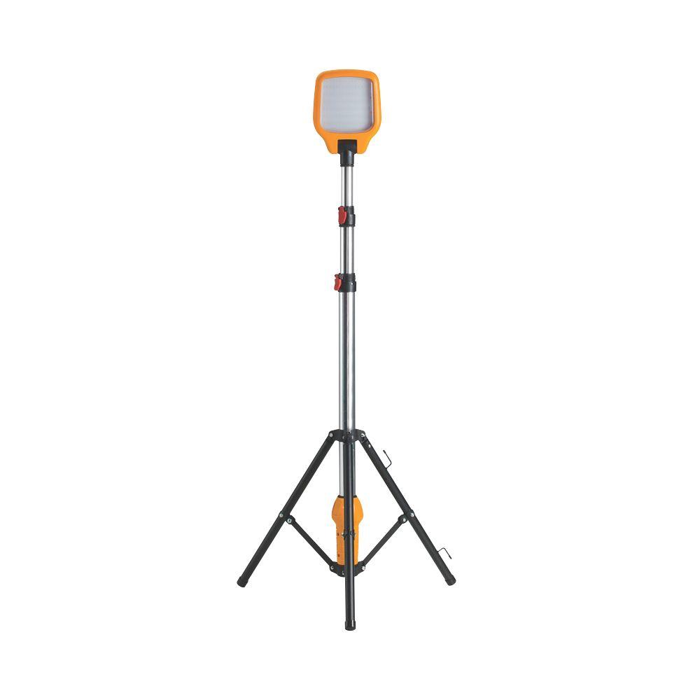 Defender  Tripod LED Site Light 12W 230V