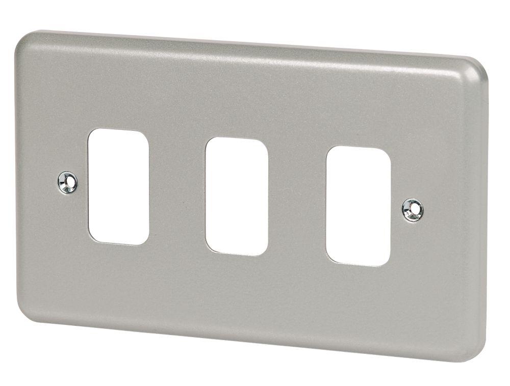MK 3-Gang Front Plate Metal-Clad