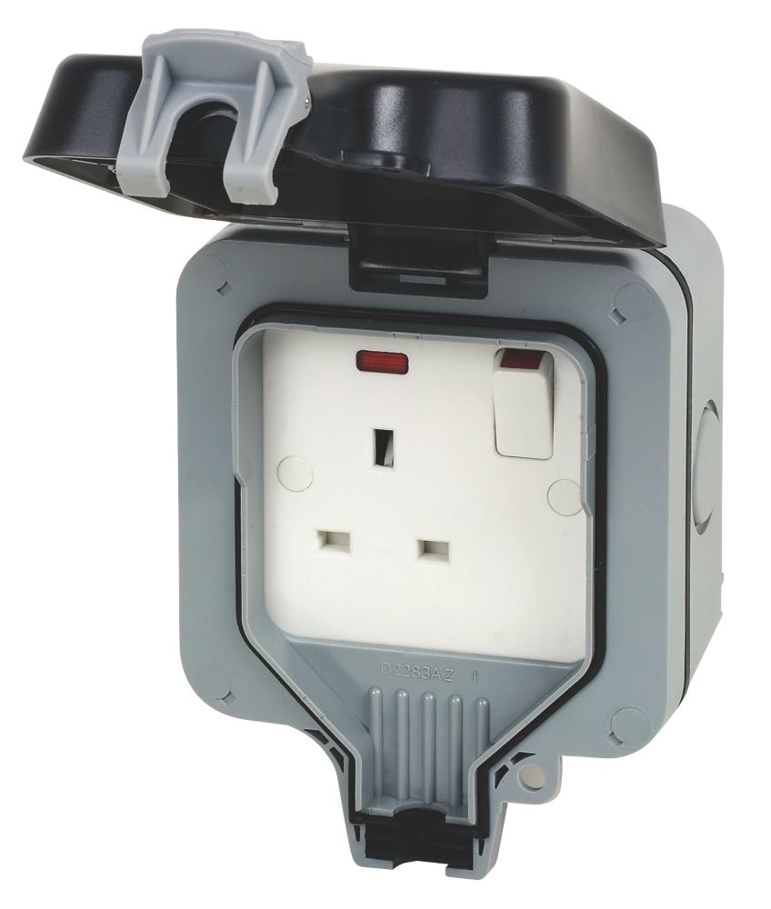 British General  IP66 13A 1-Gang DP Weatherproof Outdoor Switched Socket
