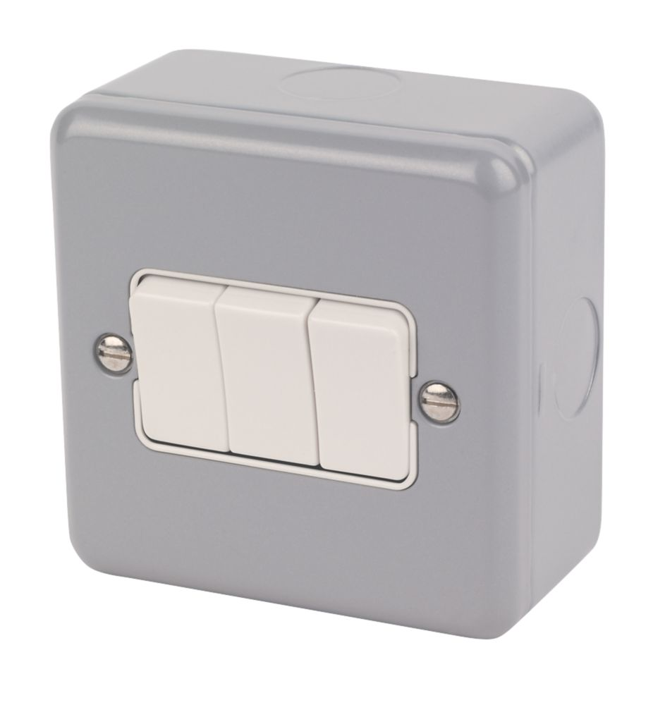MK Metalclad Plus 10AX 3-Gang 2-Way Metal Clad Light Switch with White Inserts