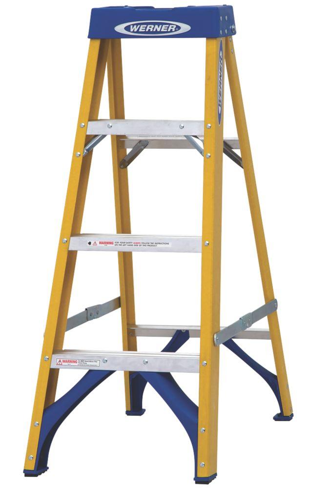 Werner  Fibreglass 4-Tread Swingback Stepladder 1.12m